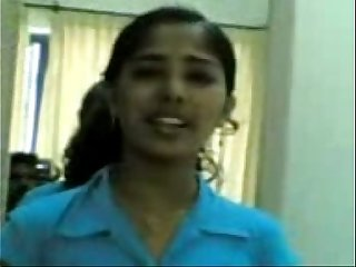 mallu girls show her boobs to bf