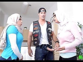 Mia Khalifa tag team with her Mom